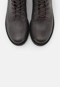 Apple of Eden - SUN - Šněrovací kotníkové boty - dark grey - 5