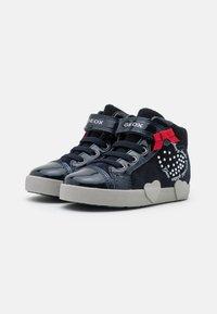 Geox - KILWI GIRL - Sneakers hoog - dark navy - 1