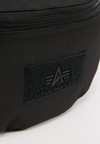 Alpha Industries - WAIST BAG - Bæltetasker - black - 6
