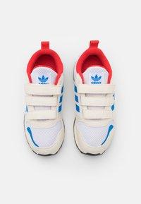 adidas Originals - ZX 700 HD UNISEX  - Tenisky - footwear white/chalk white/core black - 3
