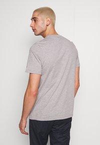 adidas Originals - ESSENTIAL TEE UNISEX - Basic T-shirt - mottled grey - 2