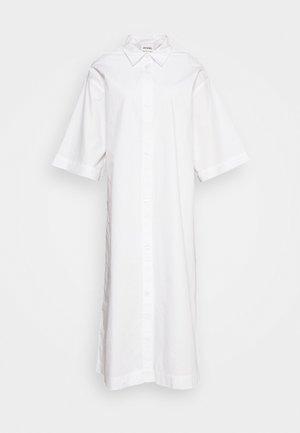 ELIN DRESS - Košilové šaty - white