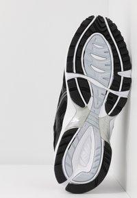 ASICS SportStyle - GEL-1090 - Sneakersy niskie - black - 6