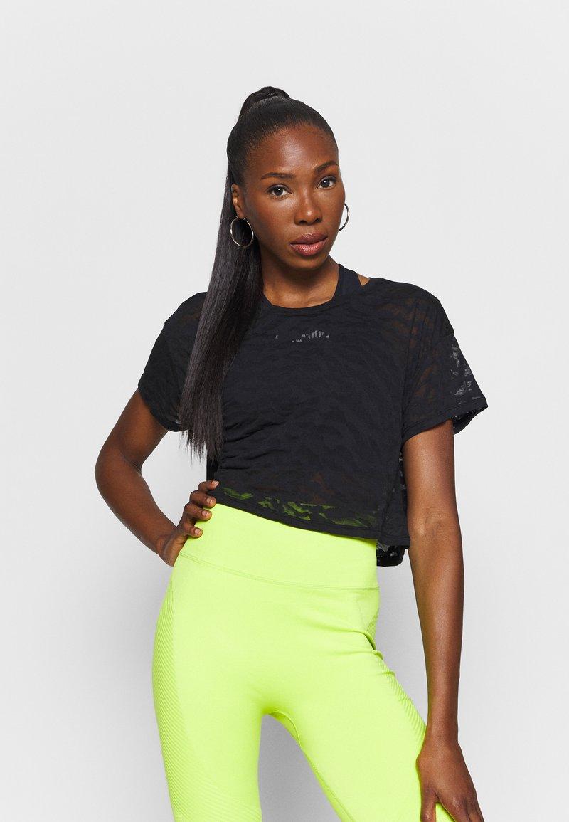 Good American - ZEBRA BURNOUT TEE - Print T-shirt - black