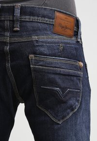 Pepe Jeans - SPIKE WISER WASH - Jeansy Slim Fit - Z45 - 5