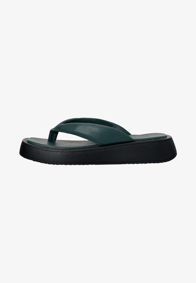 MIT PLATEAUSOHLE  - Sandály s odděleným palcem - green