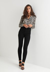 Missguided - VICE HIGH WAISTED  - Trousers - black - 1