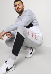 Nike Performance - LIVERPOOL FC AIR  - Club wear - wolf grey/white/black/laser crimson - 3