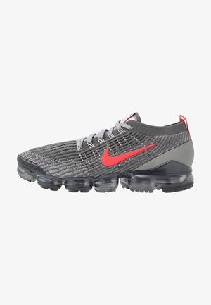 AIR VAPORMAX FLYKNIT 3 - Matalavartiset tennarit - iron grey/track red/particle grey/anthracite/platinum tint/grey fog