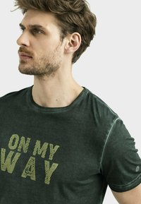 camel active - Print T-shirt - leaf green - 3