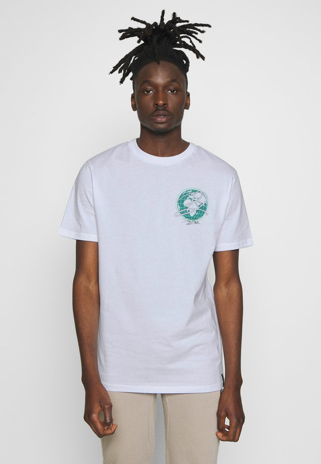 EARTH  - T-shirts med print - white