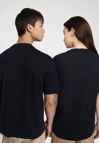 Napapijri - S-PATCH SS - T-shirt basic - blu marine - 3