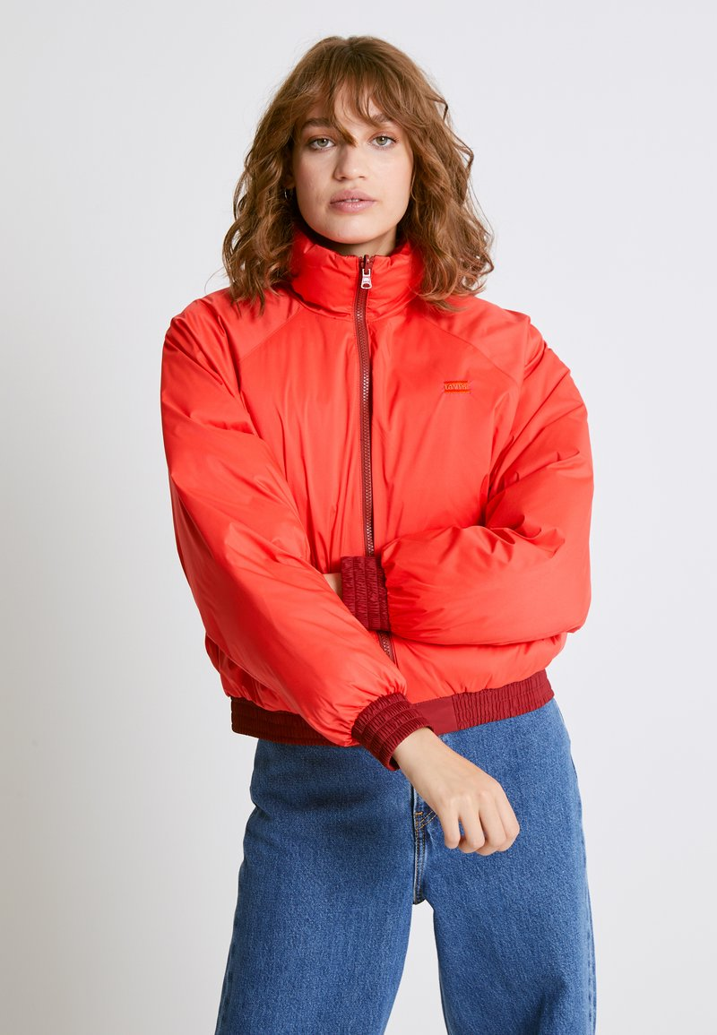 Levi's® - LYDIA REVERSIBLE PUFFER - Zimní bunda - poppy red
