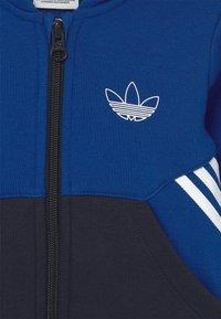 adidas Originals - HOODIE SET UNISEX - Tuta - royblu/legink - 3