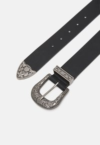 Pieces - PCBEVERLY WAIST BELT - Belt - black/silver-coloured - 1