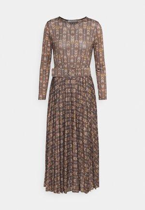 GRILLO - Denní šaty - brown