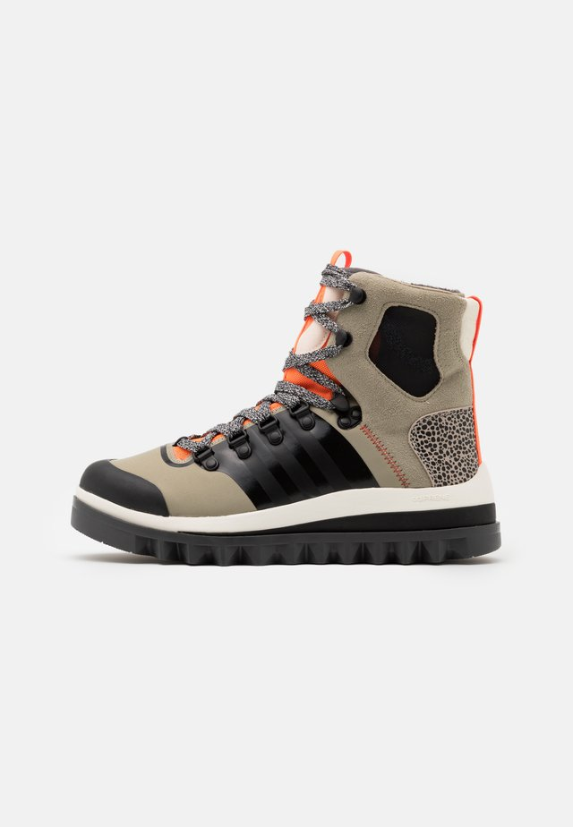 EULAMPIS - Botas para la nieve - tech beige/core black/solar orange