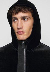 Emporio Armani - Lehká bunda - black - 3