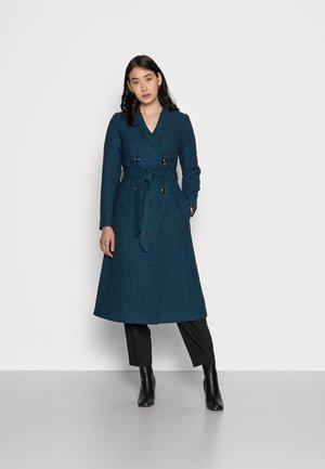 KIRA COAT JUBILEE CHECK - Klasyczny płaszcz - tile blue