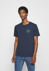 Pier One - T-shirt med print - dark blue - 0