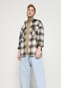 Volcom - BILLOW PANT - Relaxed fit jeans - light blue - 3