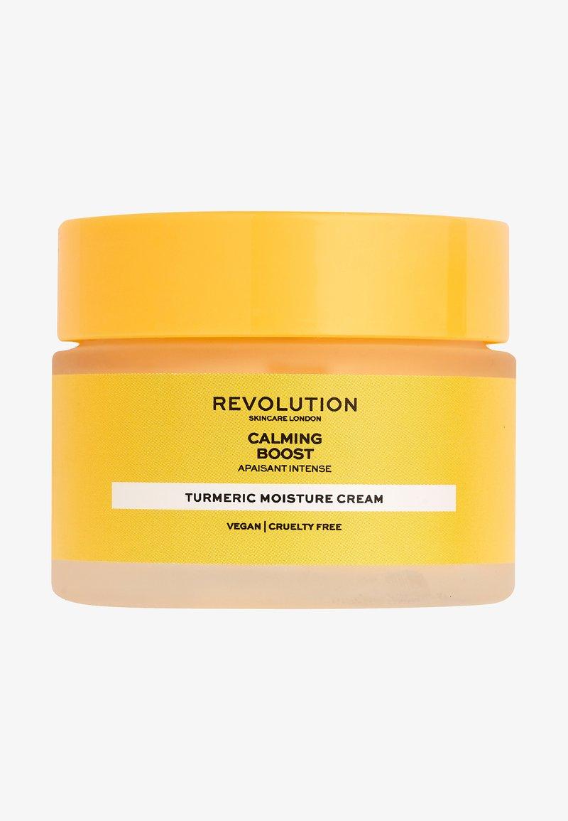Revolution Skincare - CALMING BOOST CREAM WITH TURMERIC - Crema da giorno - -