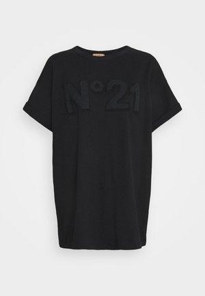 BOXY LOGO TEE - Print T-shirt - black