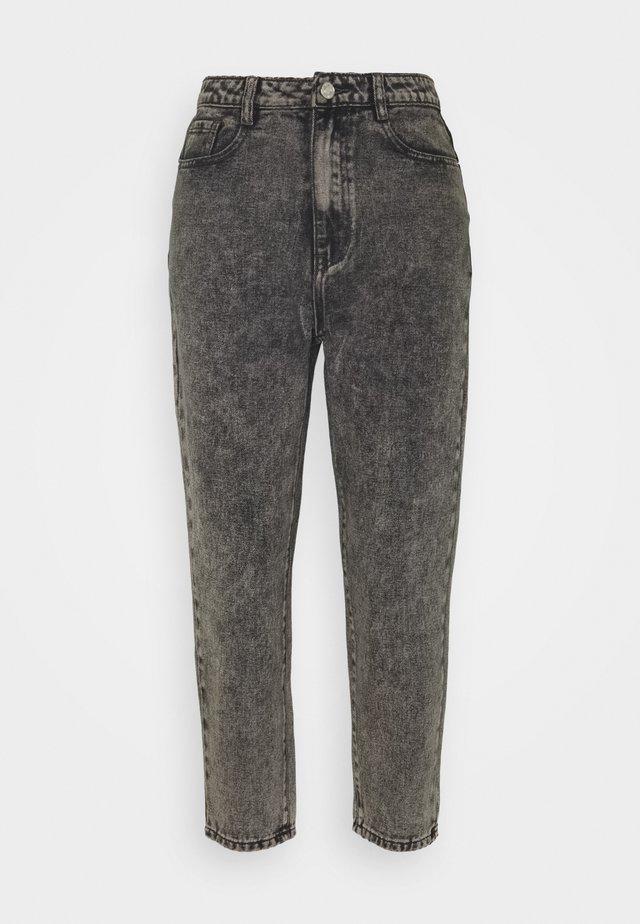 RIOT MOM - Jeansy Straight Leg - grey