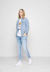 Pepe Jeans - STANLEY BANDANA - Jeans Tapered Fit - denim - 1