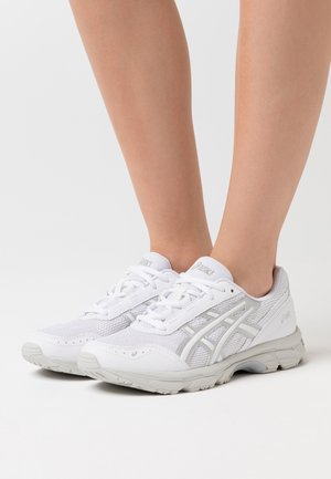 GEL ESCALATE - Sneaker low - white/pure silver