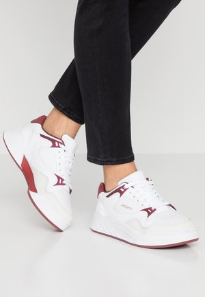 COURT SLAM  - Sneakers - white/dark red