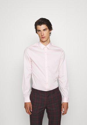 FILBRODIE - Formal shirt - rose