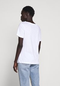 Barbour - DOVER TEE - Print T-shirt - white - 2