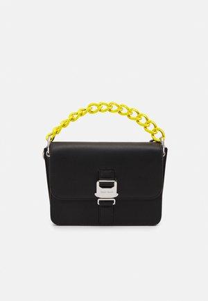 ITEM FLAP CROSSOVER - Handbag - black