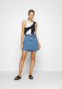 Calvin Klein Jeans - HIGH RISE MINI SKIRT - Denim skirt - blue denim - 1