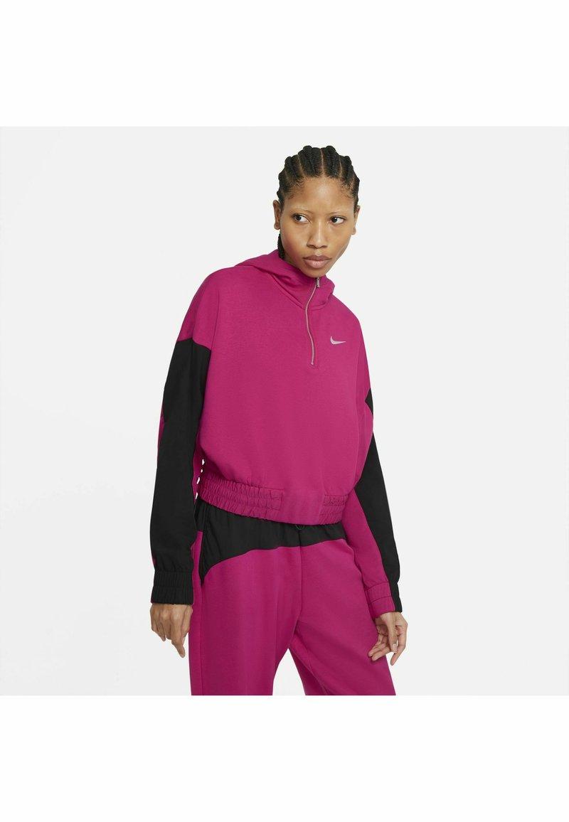 Nike Sportswear - HOODIE - Felpa - fireberry/black/(white)