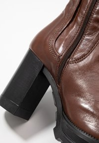 MJUS - Stivali con i tacchi - brandy - 2