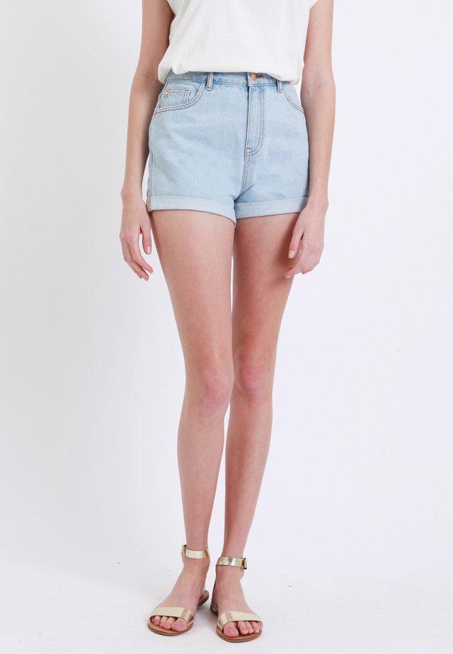 MOM - Shorts di jeans - hellblau