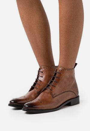 BETTY - Botki sznurowane - tobacco/rich tan/brown