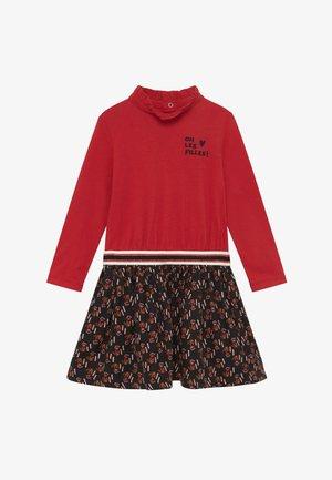 ROBE - Žerzejové šaty - rouge