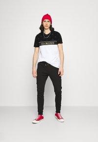 Glorious Gangsta - ARLON JOGGERS - Pantaloni sportivi - black - 1
