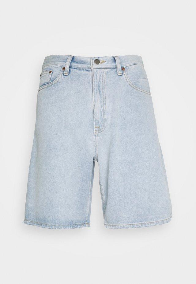 OMAR - Shorts di jeans - superlight blue