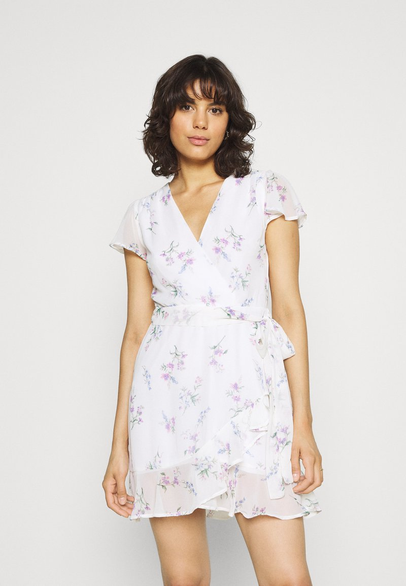 Nly by Nelly - DREAMY FLOUNCE DRESS - Cocktail dress / Party dress - white