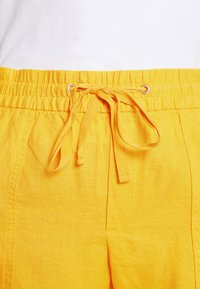 GAP - PULL ON UTILITY SOLID - Shorts - lemon curry - 4
