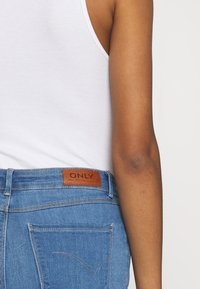 ONLY - ONLGLOBAL MID BOX - Jeans Skinny Fit - light blue denim - 4