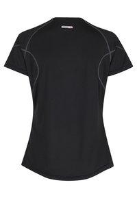 Newline - Basic T-shirt - black - 1