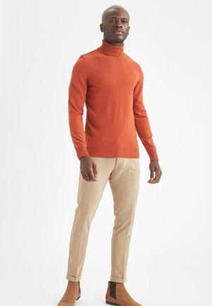 SLIM FIT - Jumper - orange