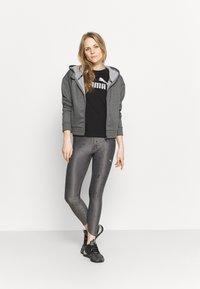 Puma - METALLIC LOGO TEE - Camiseta estampada - black/silver - 1