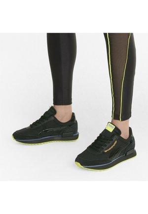 Sneaker low - puma black-nrgy yellow
