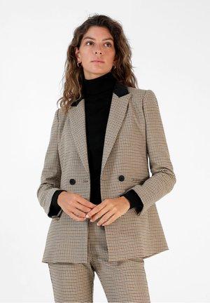Blazer - brown checks